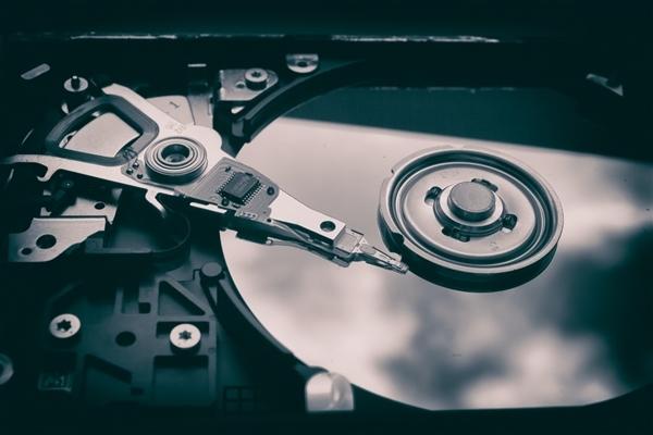 大受欢迎 希捷加速量产20TB硬盘:未来直奔100TB