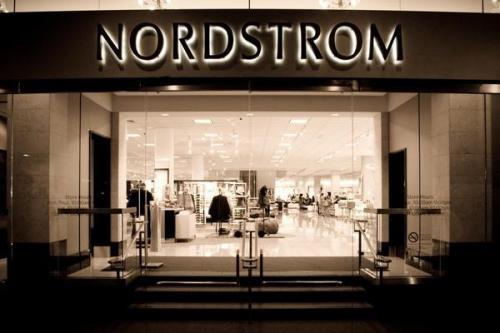 股票在数小时后成为最大的举措:Nordstrom,Urban Outfitters,Pure Storage等等