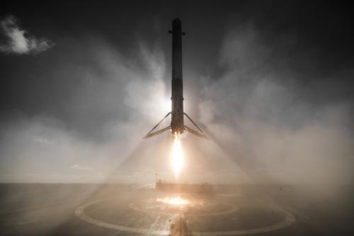 SpaceX在第一次卫星发射后宣布上调10亿美元