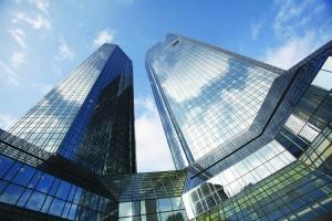 欧洲股市因意大利预算危机而退出银行