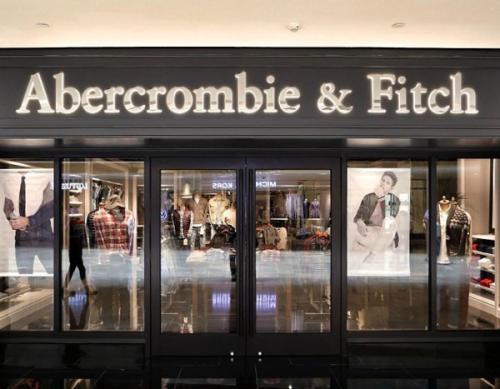 三家大型旗舰店即将关闭Abercrombie&Fitch因同店销售疲弱而下跌23%