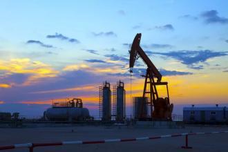 """加拿大自然更接近""""石油之王""""与德文购买"""
