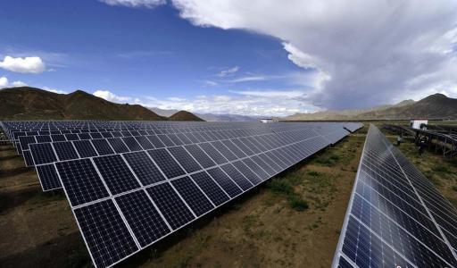 加拿大太阳能公司首席执行官因未指明中国事故而休假