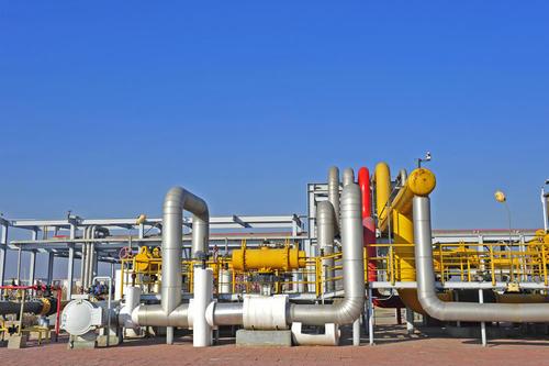 金价下跌而需求前景不确定原油天然气价格下跌