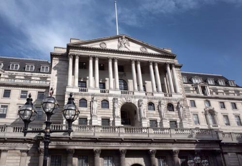由于前景黯淡英格兰银行维持关键利率不变