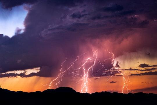 研究人员创建AI算法来检测导致风暴的云层