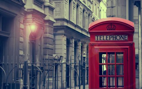 电话亭:一个标志性标志被另一个标志着城市天际线的标志性标志所取代
