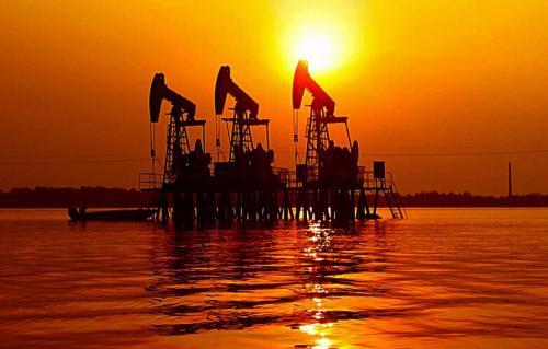 专栏:对冲基金坚守石油观望