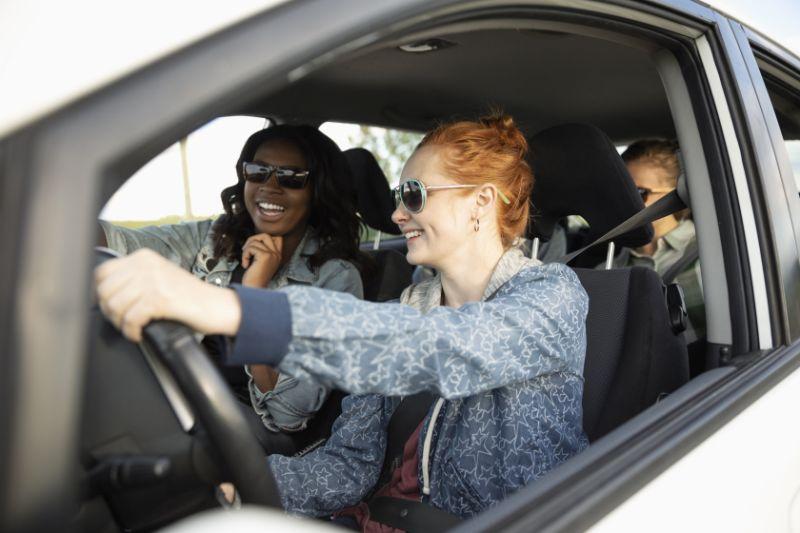 新技术如何帮助您在驾驶时检查您的股票投资组合