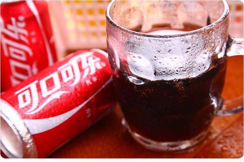 可口可乐如何赚钱 糖浆和成品销售占收入的大部分