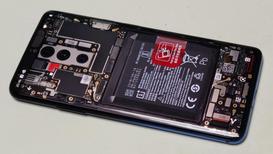 新的OnePlus 7T Pro Leak突出了雄心勃勃的计划