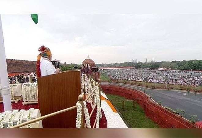 总理Narendra Modi表示政府将在基础设施方面投资100万卢比 实现5万亿美元的经济目标