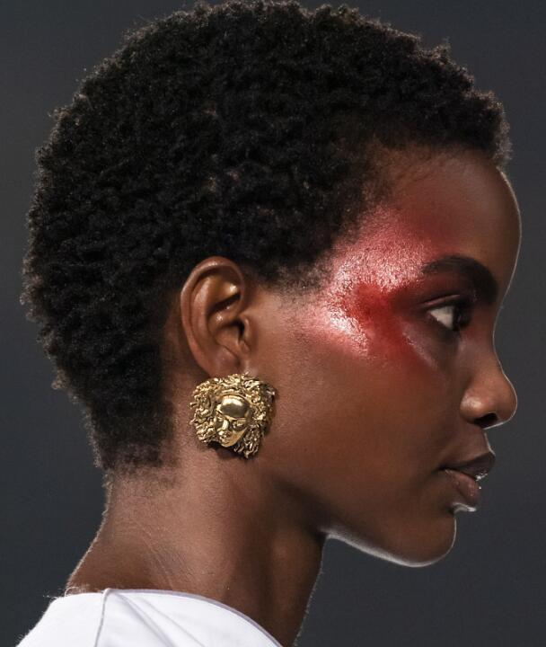如何证明你的化妆品牌实际上关心多样性