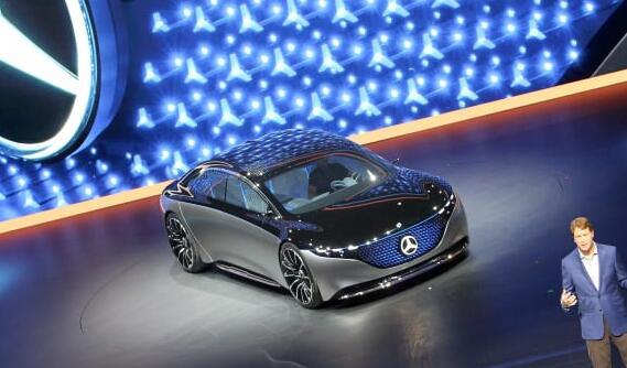 奔驰通过全电动Vision EQS提升了与特斯拉Model S竞争的赌注