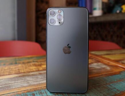 iPhone 11 Pro评测与以前的Apple手机相比 相机和电池的重大改进
