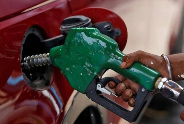 汽油价格每升上涨1.59卢比 柴油上涨1.31卢比