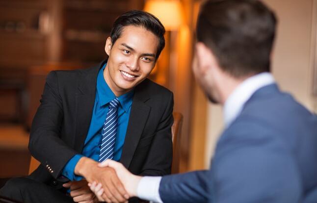 如何从大学招聘会中获得最大收益
