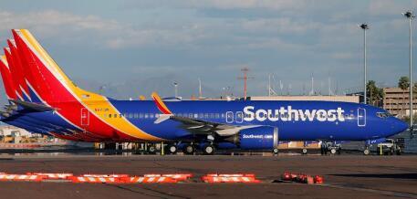 波音737 NG西南和戈尔地面破裂
