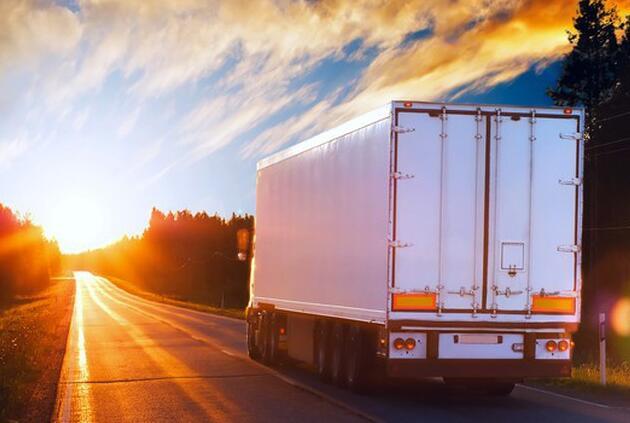 尽管货运艰难奈特仍继续卡车运输