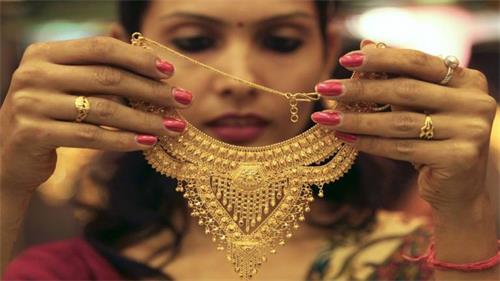黄金价格上涨19卢比每10克38450卢比 白银交易平稳
