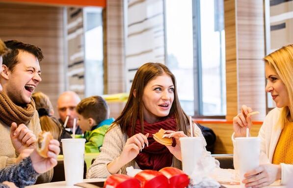 麦当劳致投资者 全球增长计划正在奏效