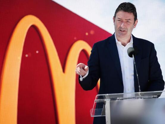 麦当劳品牌的风险本来就是不罢免首席执行官