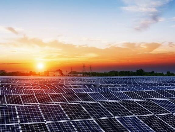 为什么阿特斯太阳能今天的股价暴跌15.6%