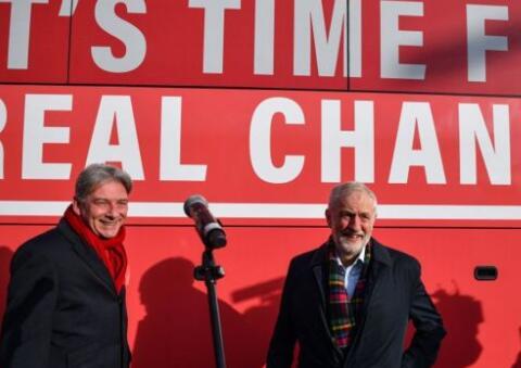 工党承诺在苏格兰投资1000亿英镑