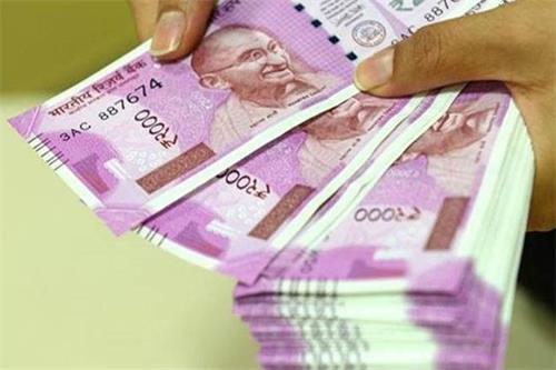 卢比兑美元早盘持平于71.30