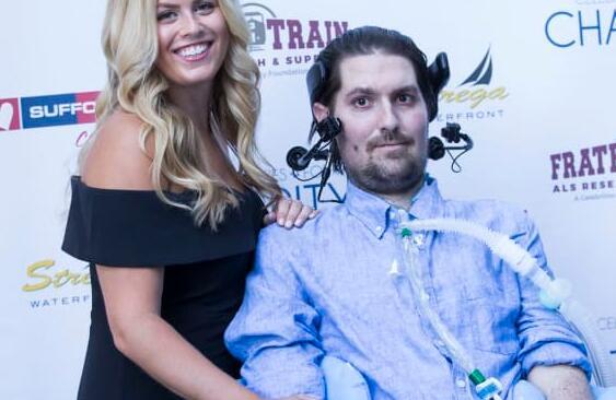 ALS冰桶挑战赛的灵感人物Pete Frates死于34岁