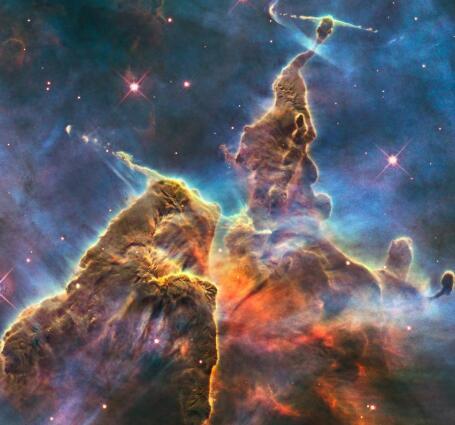 哈勃太空望远镜最后十年的最佳影像作为我们标志性的空中注视