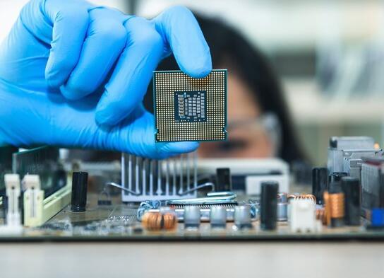 该芯片制造商预计第二季度末将结束其困境 投资者对此感到兴奋