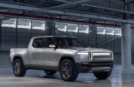 电动卡车制造商Rivian在亚马逊 福特的支持下筹集了高达13亿美元的资金