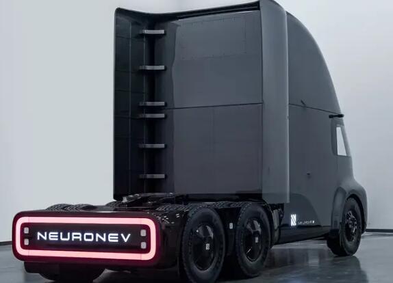 一家加州电动汽车初创公司推出了一款名为TORQ的全电动半卡车