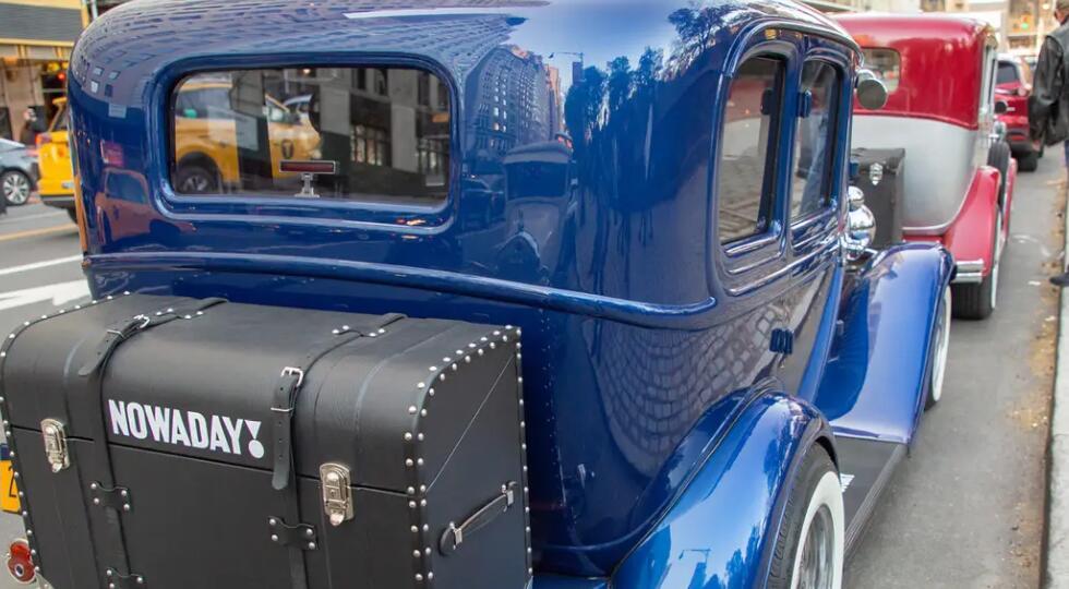 我与创业公司Nowaday一起在1933年的别克古董酒厂进行了纽约市的私人游览
