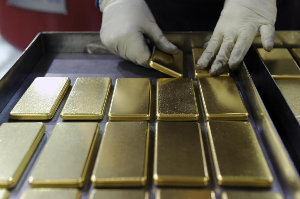 黄金上涨美元下跌 也许是2020年趋势的早期发现