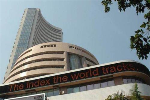 Sensex下跌超过100点黄金价格上涨