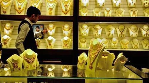 黄金价格在短短2周内飙升至每10克2,000卢比