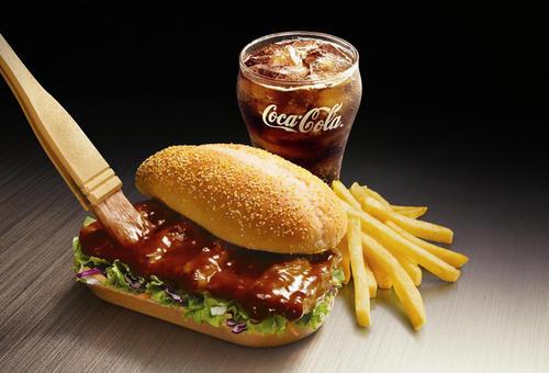 20岁的麦当劳汉堡看起来仍然很新闻起来像纸板