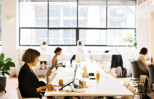 以女性为中心的联合创业公司The Riveter裁员5名 旨在发展数字化业务