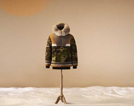 Canada Goose推出因纽特人设计师设计的新款派克大衣