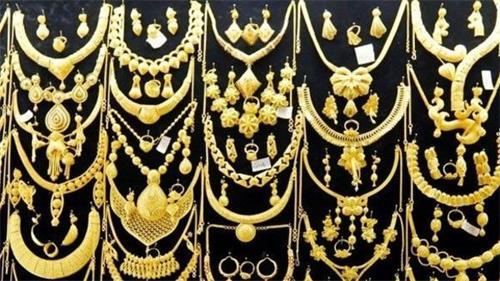 今日黄金价格连续第四天下跌 白银价格暴跌