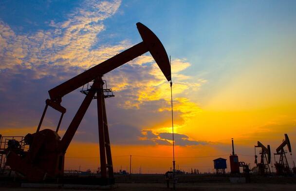 该石油股的策略继续为投资者支付高额股息