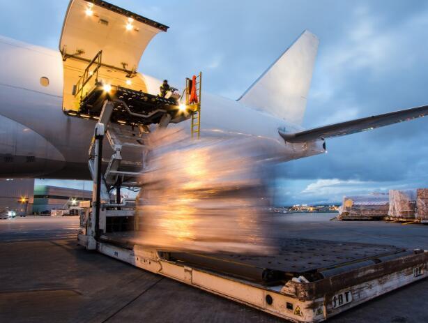 长期的经济下滑可能会给亚马逊的货运航空公司合作伙伴带来动荡
