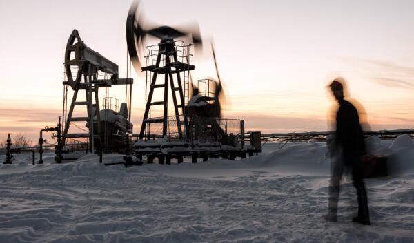 今天的石油服务库存受到打击