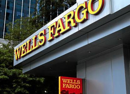 美国银行努力帮助现金短缺的客户遭受当前局势袭击