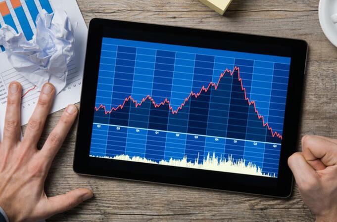 投资者可能会担心 公司的客户群会使其在不断发展的危机中变得脆弱