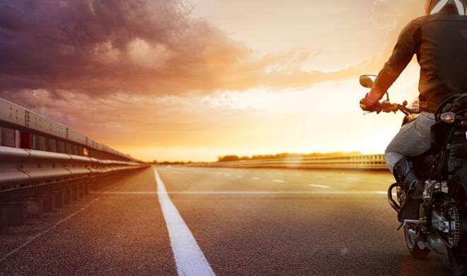 挑战哈雷戴维森的激进投资者提名前NASCAR高管入选董事会