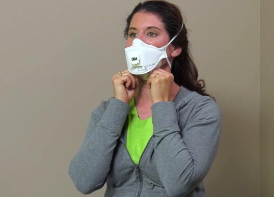 塔吉特为医护人员离开时向消费者出售口罩而道歉