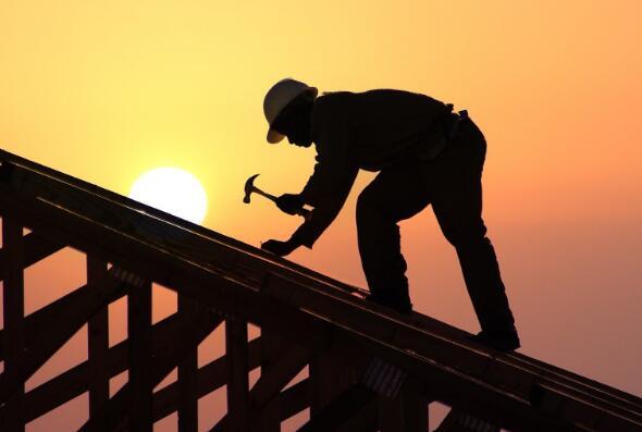 由于放贷人收紧房屋建筑商的股票今天暴跌